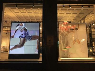 Видеотрансляции на витринах